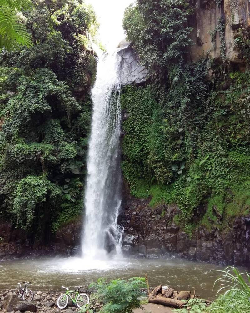 Coban Jahe ini adalah air terjun di Malang untuk kalian yang suka bertualang via @adamfjr