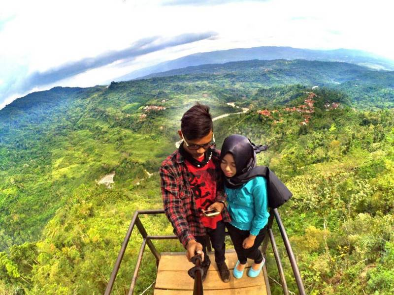 Ada yang tahu kenapa dinamakan sebagai bukit asmara tempat wisata di Banjarnegara ini? via IG @kiky_fgp
