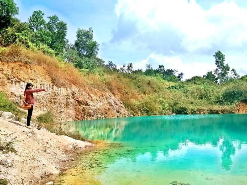 Telaga Warna Bukit Puthut Krebet Tulungagung, Si Menawan Yang Berbahaya by IG @jauharotunnisak