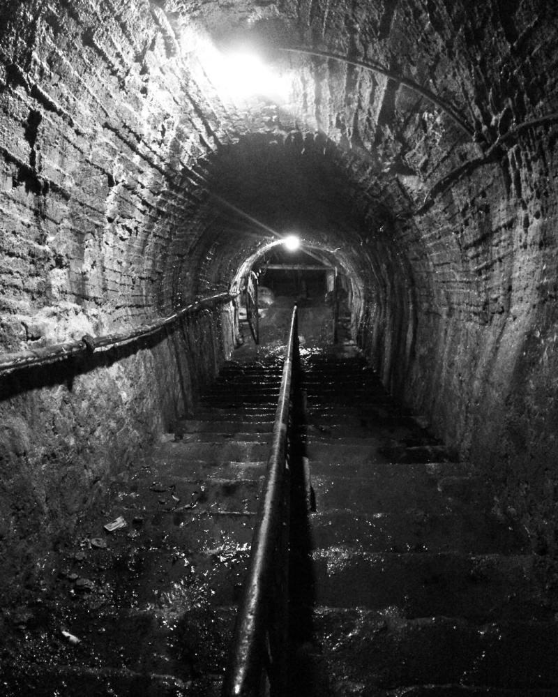 Lubang Tambang Di Sawahlunto, Sebuah Terowongan Tambang Bawah Tanah Yang Bersejarah by IG @praditatk