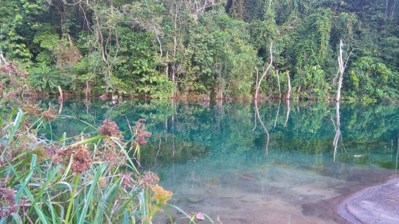 Danau Biru Loa Bakung Samarinda Yang Keren!by IG @pri_agus
