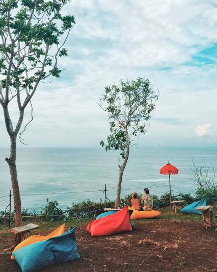Sunset point beach Uluwatu by IG @catperku