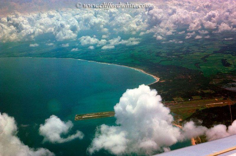 Foto udara Ngurah Rai International Airport Bali pada tahun 1975. Waktu itu Kuta masih berupa sebuah desa nelayan kecil yang jauh dari modernisasi dan turisme masal seperti sekarang.