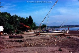 Sanur juga masih berupa desa nelayan yang sepi pada waktu itu