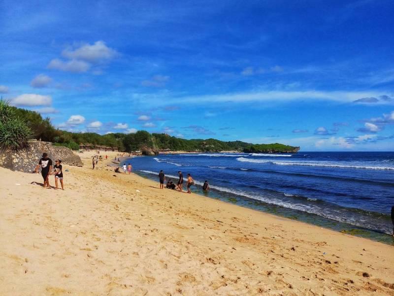 Pantai Sepanjang, salah satu pantai di Yogyakarta yang asik dikunjungi @storyofhery