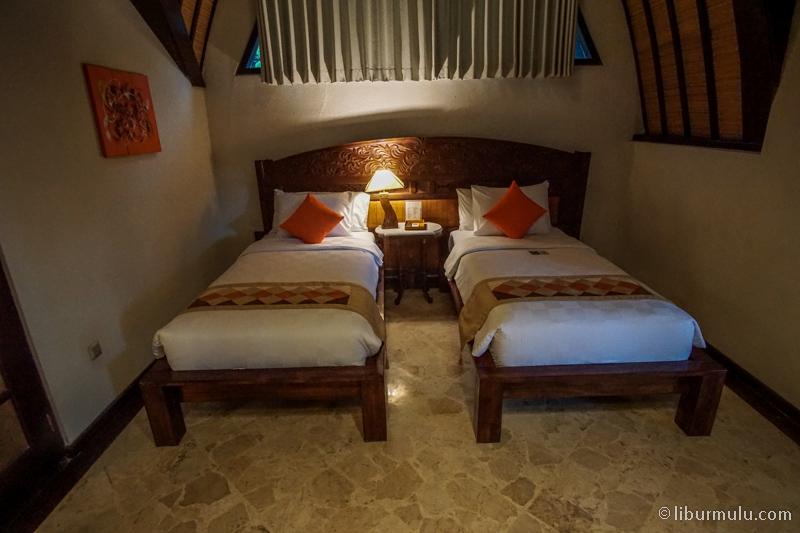 Kamar kedua di tipe 3 bedroom villa yang berada di lantai 2