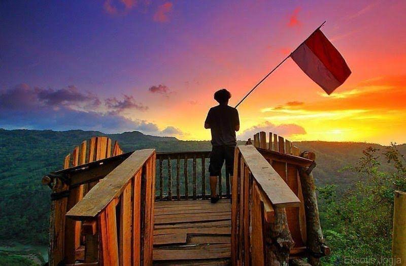 Sunset di Bukit Mojo Gumelem ini begitu instagramable dan instagramgenik! via @explore.pulaujawa