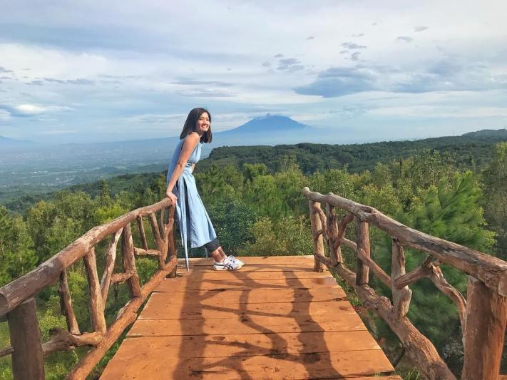 Yakin kalian gak mau liburan akhir pekan ke Bukit Lintang Sewu? via @sandralugiana