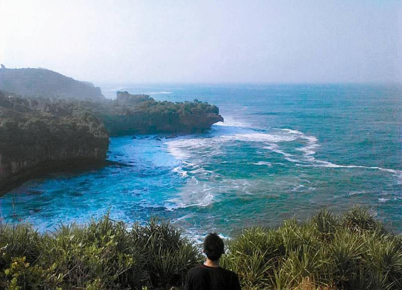 The sound of the waves Torohudan Beach can entertain every visitor. via IG @dhani_saputraa