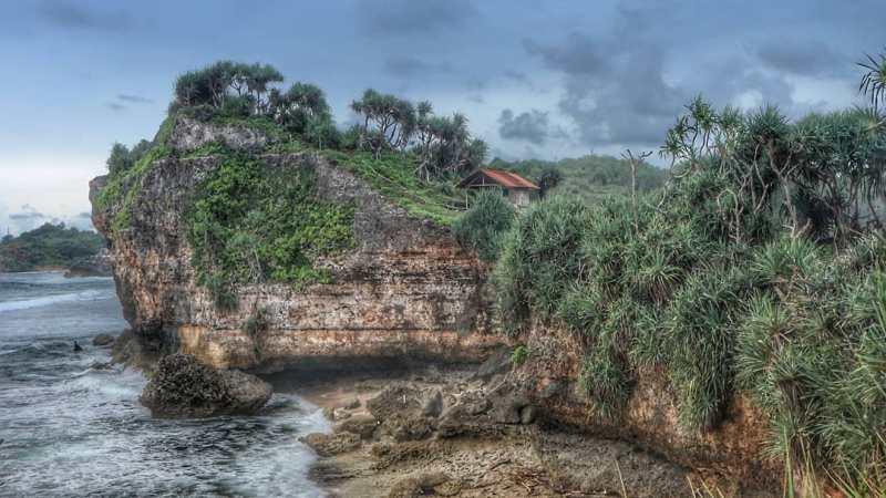 Siapa sih yang gak ingin liburan ke Pantai Nglolang! via @objekwisatagunungkidul