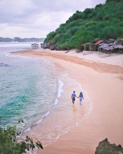 Berlibur ke Pantai Ngandong bersama orang tersayang tentu akan lebih menyenangkan! via IG @dwisurti