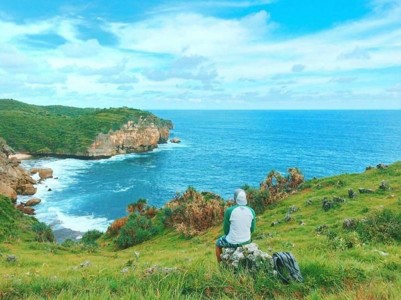 Pantai Mbirit ini adalah salah satu pantai tersembunyi di Jogja! via IG @detra_vianzt