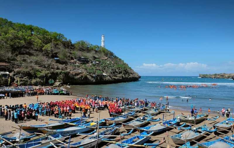 Wisata Budaya Dan Wisata Kuliner di Sekitar Pantai Baron! via @nurulmuhsin