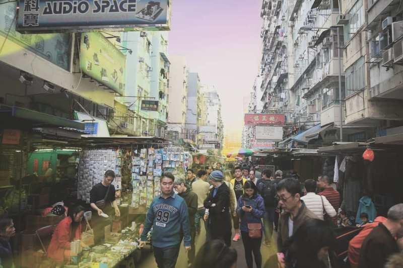 Liburan ke Hong Kong sudah pasti berbelanja adalah salah satu aktifitas wisata yang tidak bisa dilewatkan!