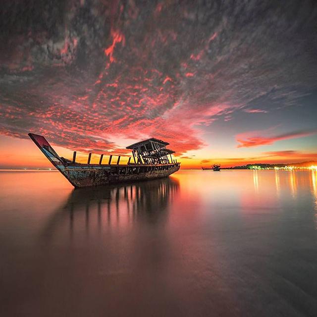 Pantai Nirwana, Padang, Sumatra Barat