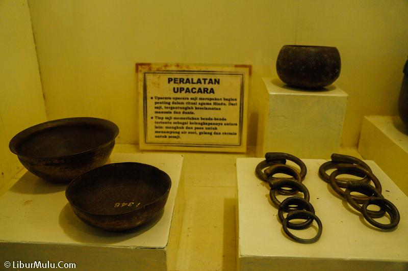 Peralatan upacara jaman dahulu, koleksi museum keraton