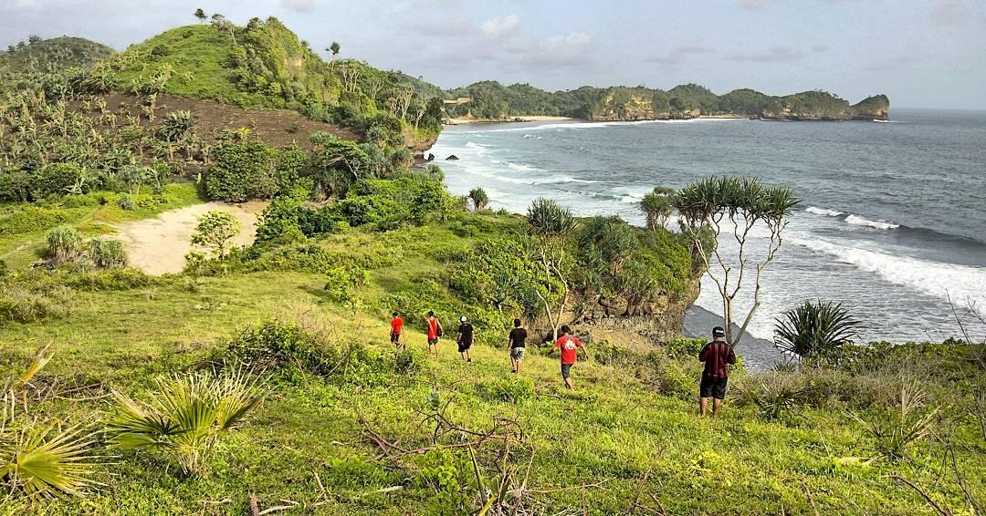 Pantai di Malang yang belum terjamah, Pantai Pawonan / Heaven Land.