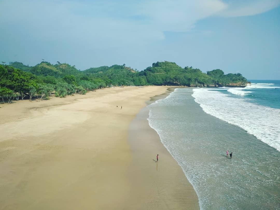 Pantai di Malang yang belum terjamah, Pantai Nganteb.