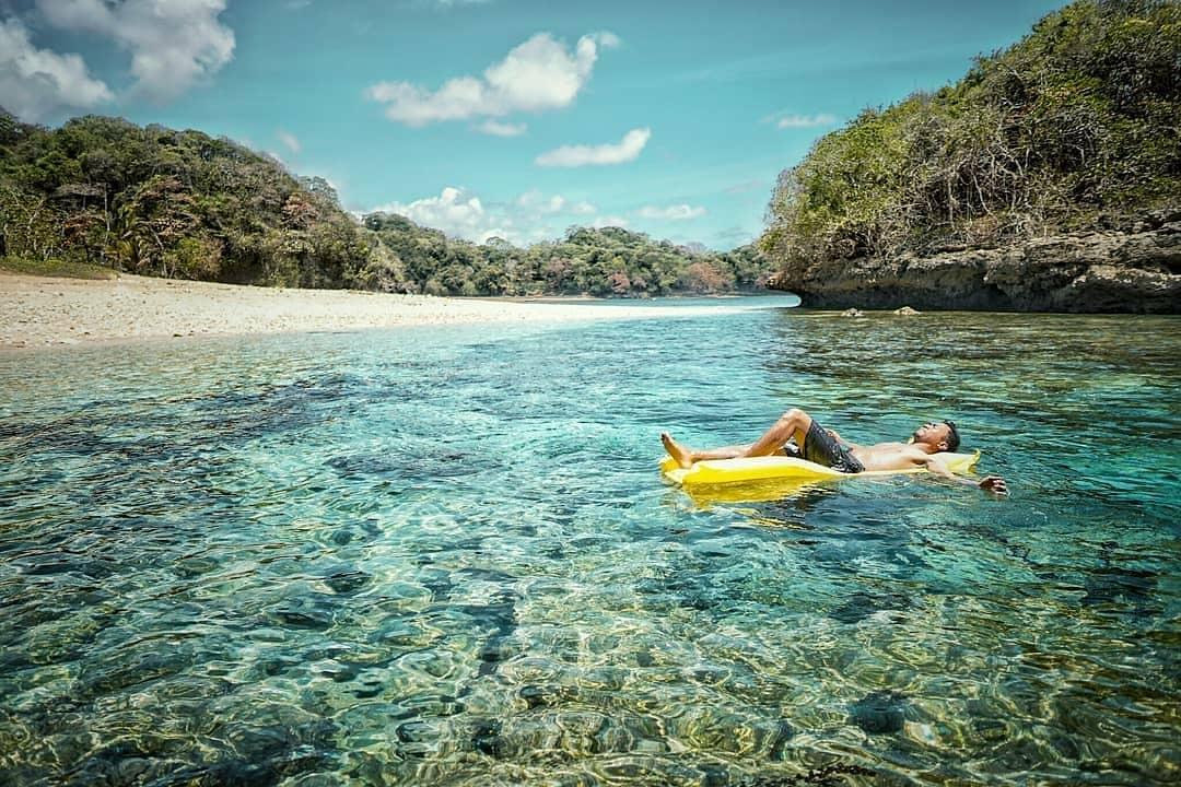 Pantai di Malang yang belum terjamah, Pantai Kedung Celeng.