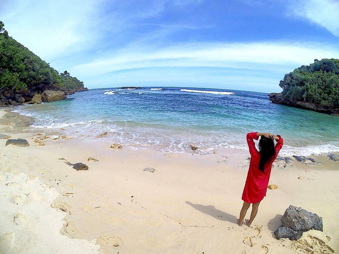 Pantai di Malang yang belum terjamah, Pantai Weden Ciut.