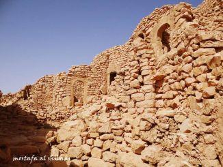 قصر الأساحقة الأثري - هذا لمن يحارب تاريخ ورفله ويدعي انها قبيلة بدوية جاهله فهل سمعتم ببدوي يسكن في القصور ؟