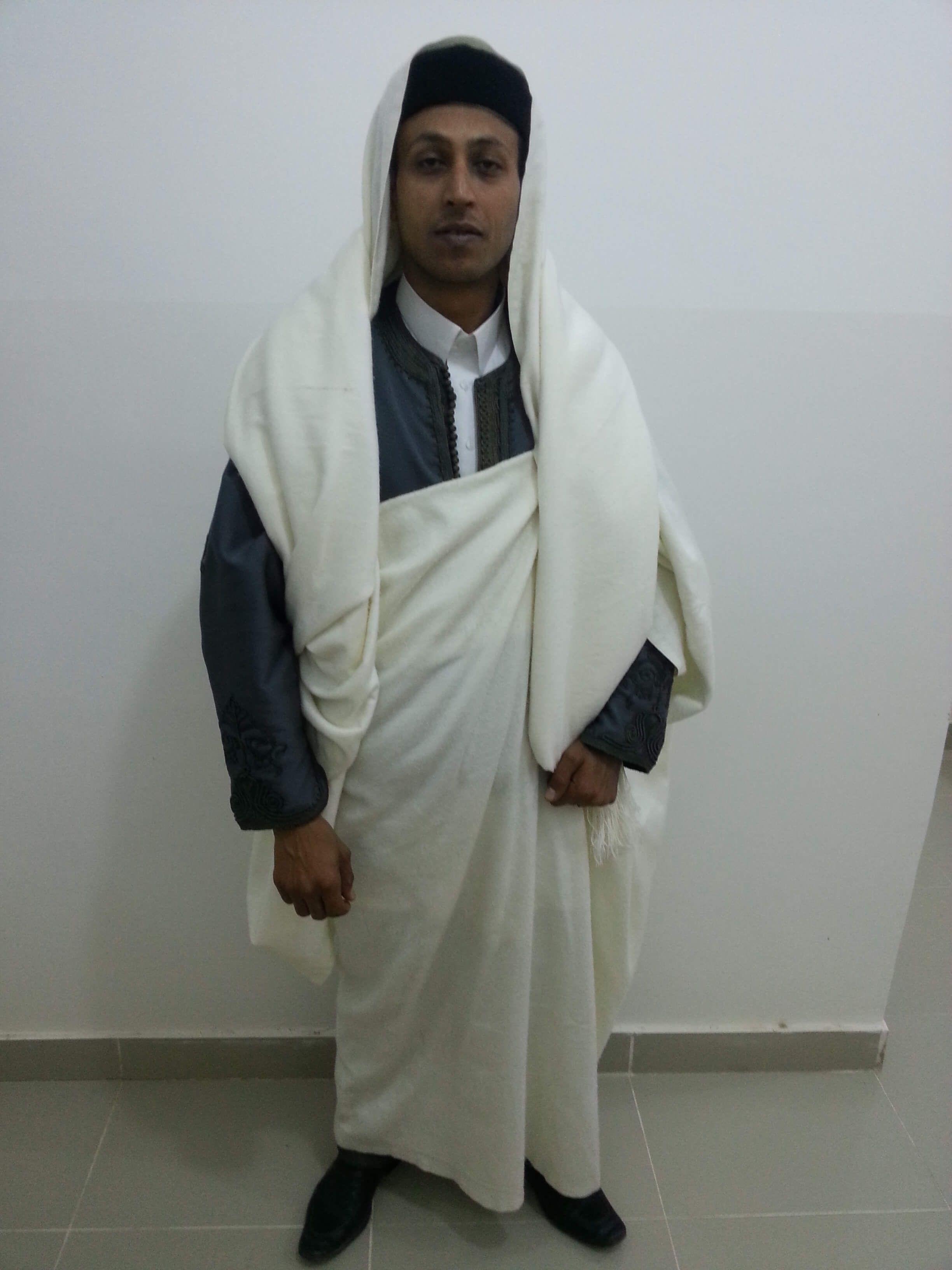 طريقة لباس الجرد الليبي- على الرأس