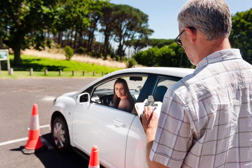 Learner driver girl - copyright: warrengoldswain