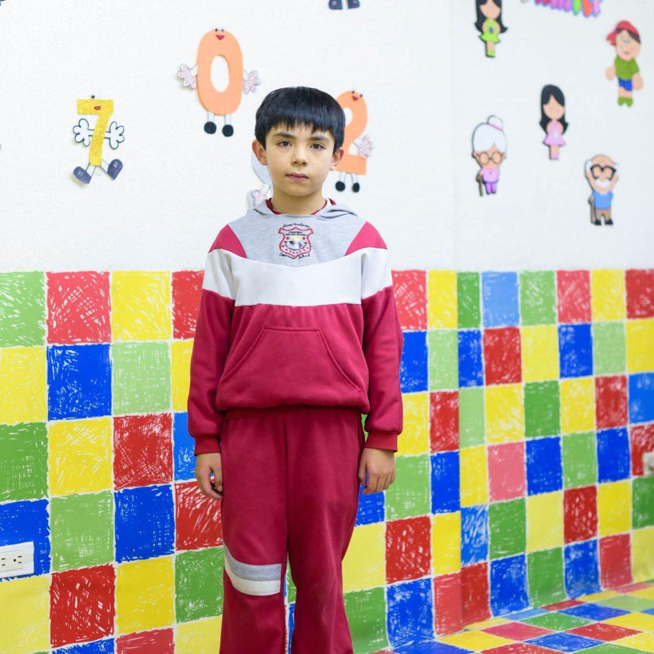 estudiante niño primaria sudadera