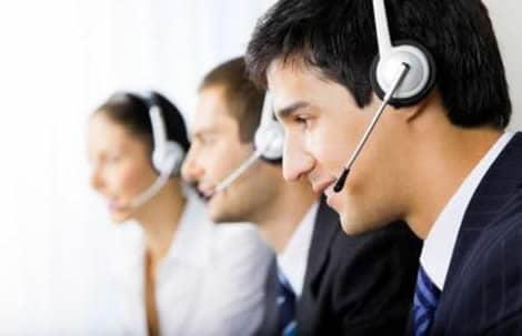 オンラインカジノはスタッフが問い合わせに対応する