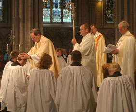 The Rt Revd Jonathan Gledhill ordains new Deacons