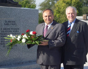 Wlodzimierz Fisiak and Cllr David Smith at the Polish Armed Forces Memorial