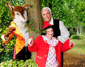 Don Maclean joins other Pinocchio cast members