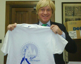 Michael Fabricant with his Viva Lich Vegas t-shirt