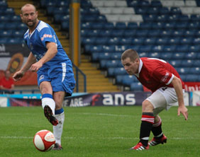 Darren Stride on the ball. Pic: Dave Birt