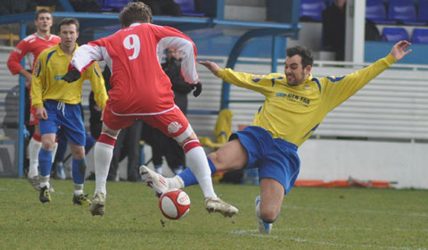 Action from Stocksbridge Park Steels v Chasetown FC. Pic: Pamela Mullins