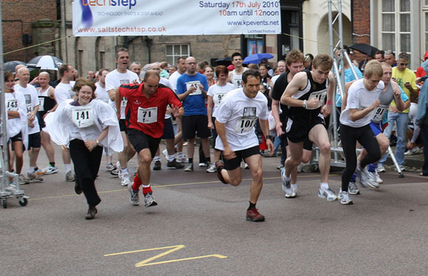 The 2010 Lichfield Cathedral Dash