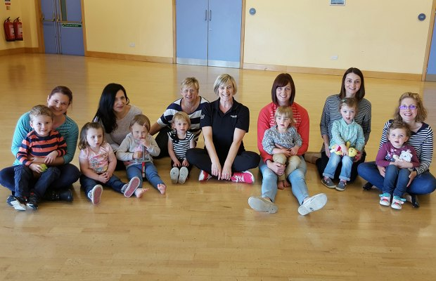 Children and parents at the Mini Mambos session
