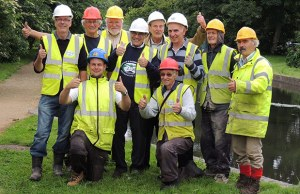 David Suchet (centre) with volunteers from the Lichfield and Hatherton Canals work party