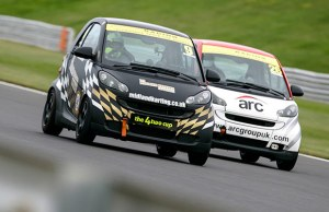 Greg Owens fends off a rival. Pic: JAM Motorsport Photography