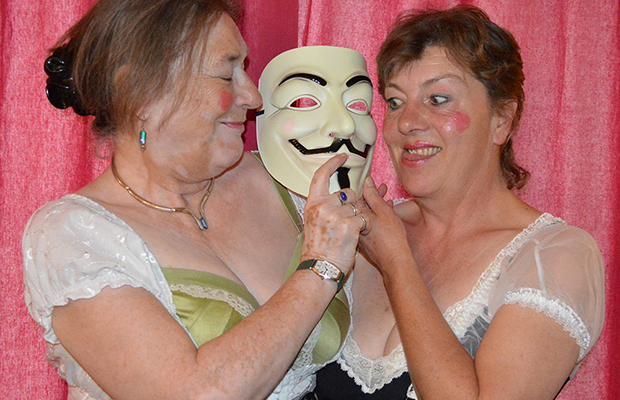 Mrs Guido Fawkes Entertains