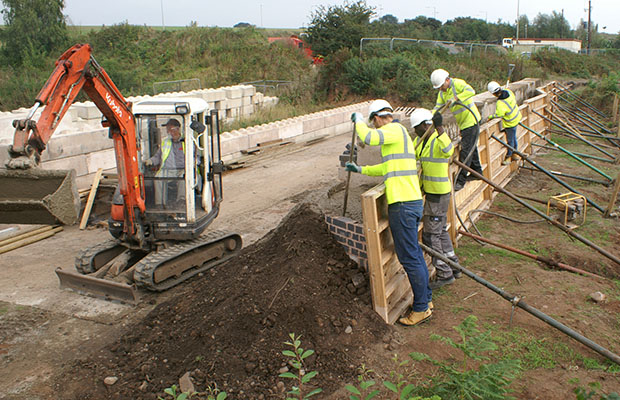 Volunteers working on the Lichfield Canal restoration project