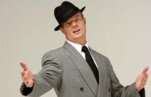 Steve Phillips as Frank Sinatra