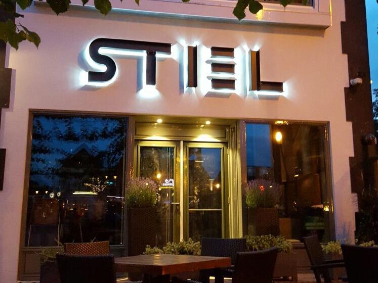 Voorgevel verlichting restaurant Stiel
