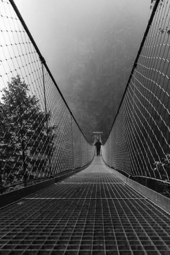 Derek Kluge - Hängebrücke