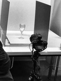 an Station 2 - Teil 1: Glas ohne Flüssigkeit
