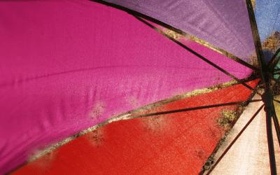 Cómo cuidar, mantener y limpiar un paraguas: cómo quitar el óxido de las varillas y la tela.