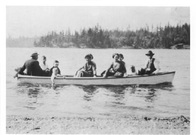Longbranch-Family-in-Feluci-Bay-photograph