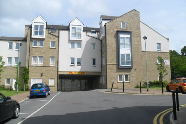 1 bed flat to rent in Lunar Apartments, Otley Road