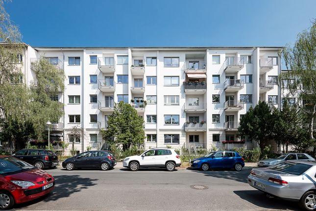 Two Rooms Apartment Near Kurfurstendamm Caspar Theyss
