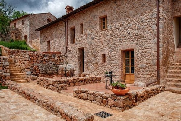 Properties for sale in Monteriggioni Siena Tuscany
